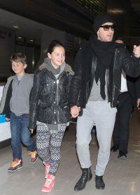 Джуд Лоу с дочерью и сыном