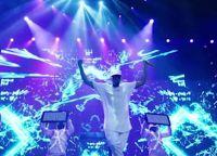 Его концерты собирают полные залы фанатов