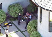 В результате Крис все-таки сдался полиции