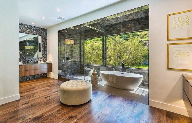 Ванная в доме Крис Дженнер в Хидден-Хилс