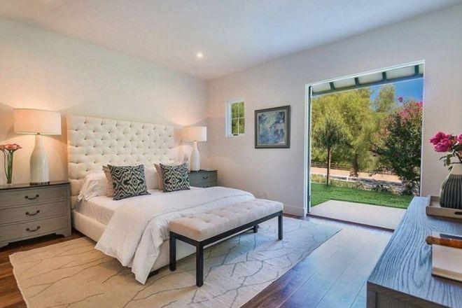 Спальня в доме Крис Дженнер в Хидден-Хилс