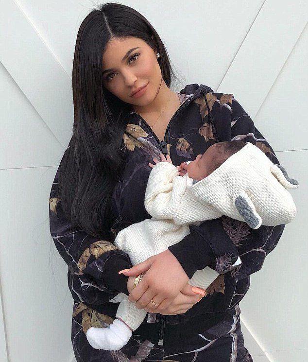 Кайли Дженнер с дочерью