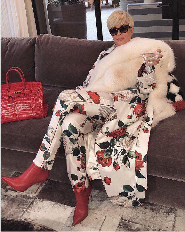 Ким Кардашьян показала фотографию Крис Дженнер