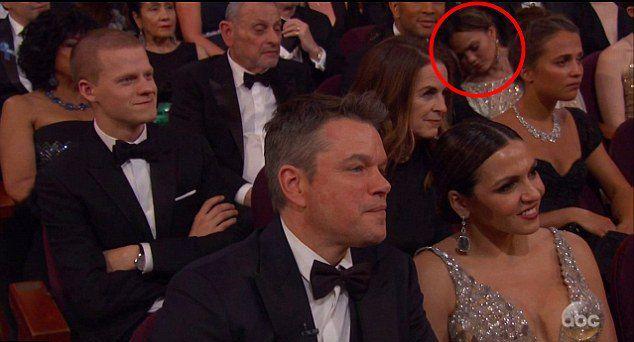 Крисси Тейген заснула на церемонии вручения премии Оскар-2017