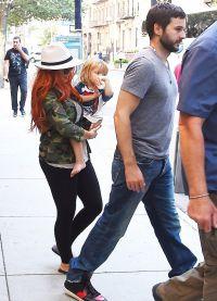 Агилера и Ратлер на прогулке с малышкой Саммер