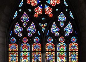 Витражная красота церкви