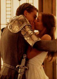 Фильм Ромео+Джульетта запомнился зрителям множеством страстных сцен