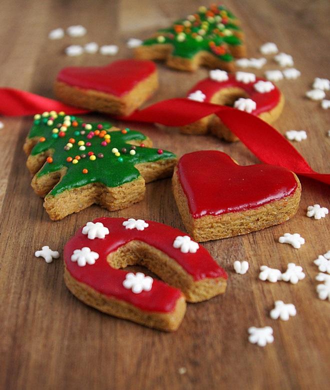 Praznični pekovski piškoti z glazuro - recept
