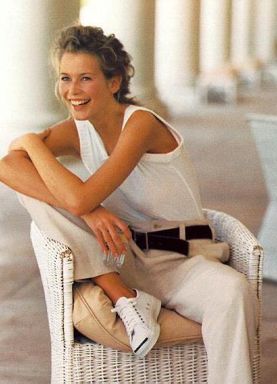 свою карьеру модели Клаудия Шиффер начала со сьемок для Ревлон