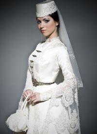 Zaprta poročna obleka 3