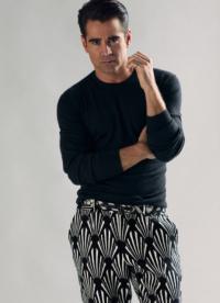 В сопроводительном интервью актер рассказал о любви к роуд-трипам и йоге