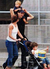 Колин Ферт с семьей