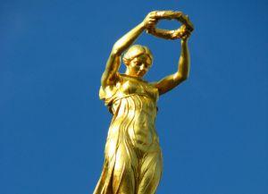 Золотая фрау