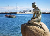 Памятник Русалочке - символ Копенгагена