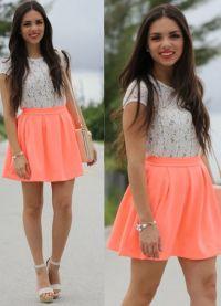 Korálová barva v oděvu 2