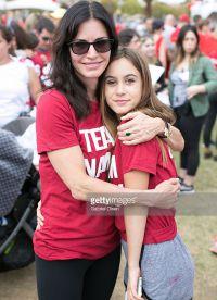 Кортни с дочерью