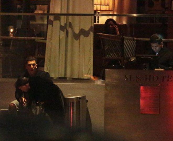 Юнес и Кортни в отеле SLS в Беверли-Хиллз