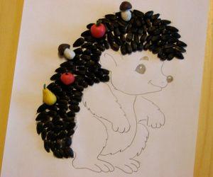 ručně vyrobený ježek ze slunečnicových semen 4