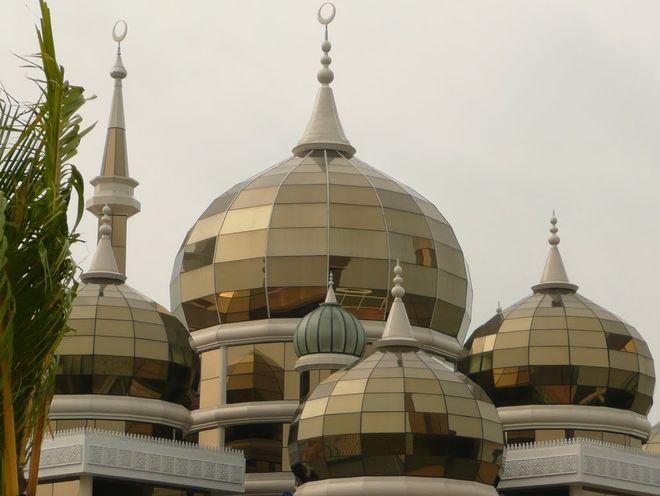 Зеркальные купола Кристальной мечети