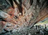 Экскурсия по Пещере рук