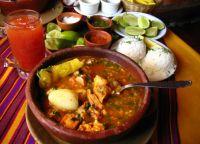 Кухня Эквадора кальдо-де-пата