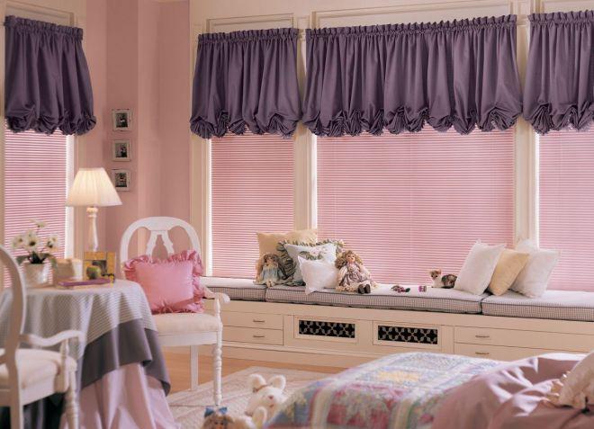 короткие шторы в детскую комнату