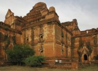 Стены заднего фасада Дамаянджи