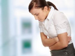 tamno pražnjenje prije menstruacije