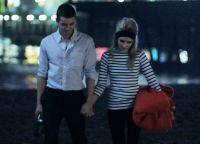 Эмма Роберт и Дэйв Франко в клипе Go outside