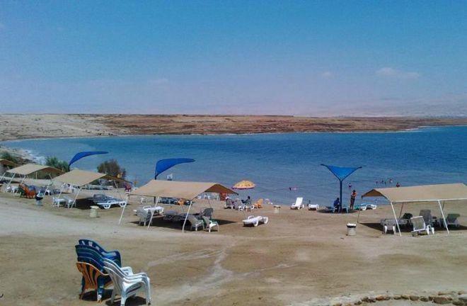 Пляж в кибуце Калия