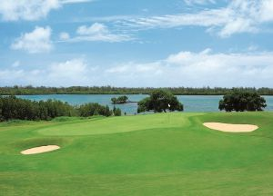 Олений остров поле для гольфа