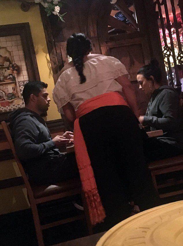Деми и Уилмер замечены в ресторане Sol Y Luna