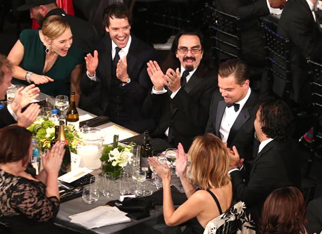 Актриса Кейт Уинслет  и Леонардо Ди Каприо  на премии Гильдии киноактеров
