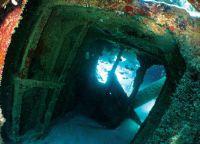 Затонувший корабль в Занзибаре