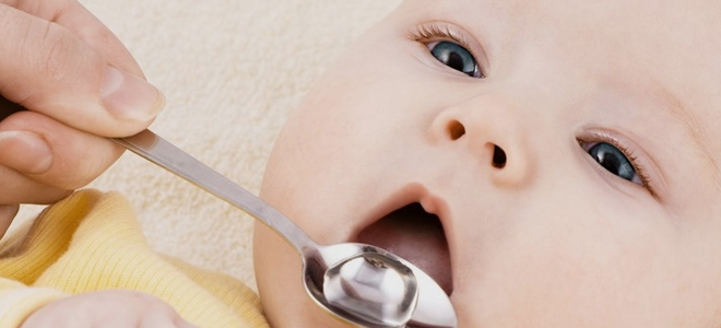 Bilo da daju vodu novorođenčadi tijekom dojenja