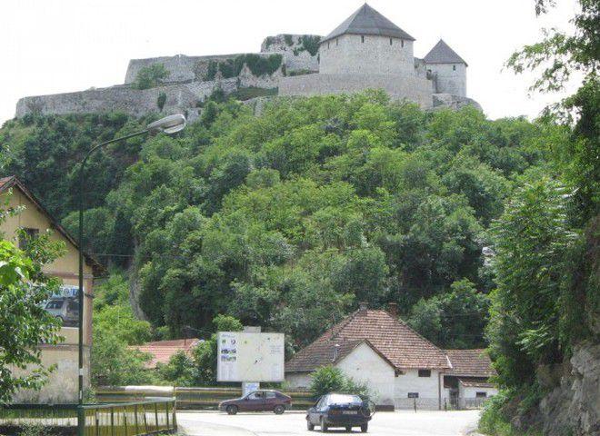 Крепость Добоя