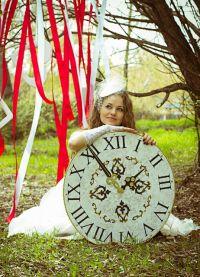 Роклята на Алис в страната на чудесата 2