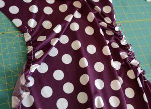 Sukienka dla kobiet w ciąży z własnymi rękami3
