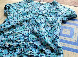 Sukienka dla kobiet w ciąży z własnymi rękami8