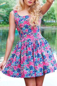 Sukienka w kwiaty 4