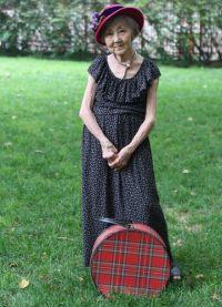 Sukienki dla starszych kobiet 4