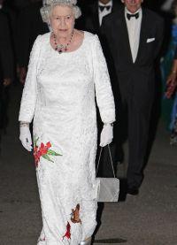 Sukienki dla starszych kobiet 5