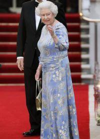 Sukienki dla starszych kobiet 7