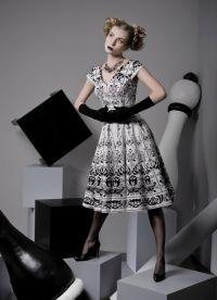 70 godina 2 haljine
