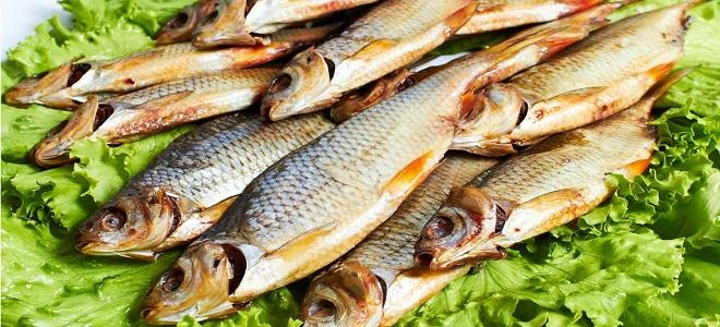 Како се осуши мала речна риба
