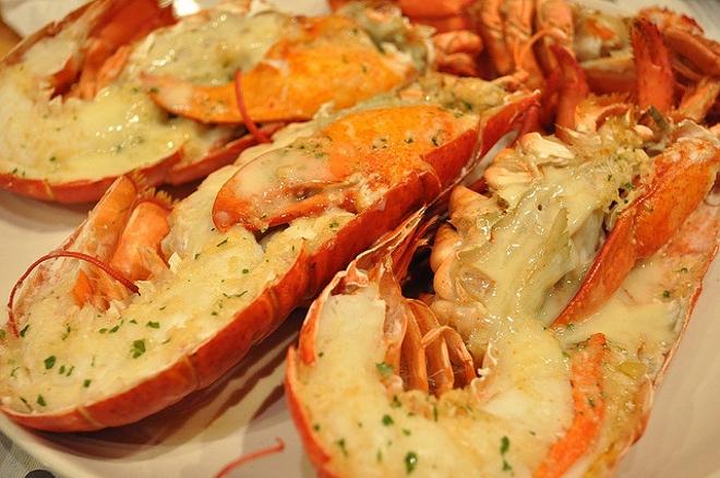 В Дубае обязательно нужно попробовать морепродукты
