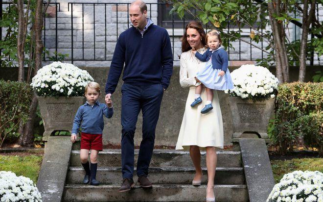 Принц Уильям с герцогиней Кембриджской и детьми