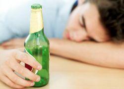 škoduje alkoholu za najstnike