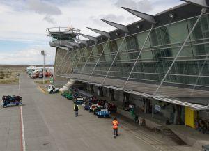Аэропорт Команданте Армандо Тола
