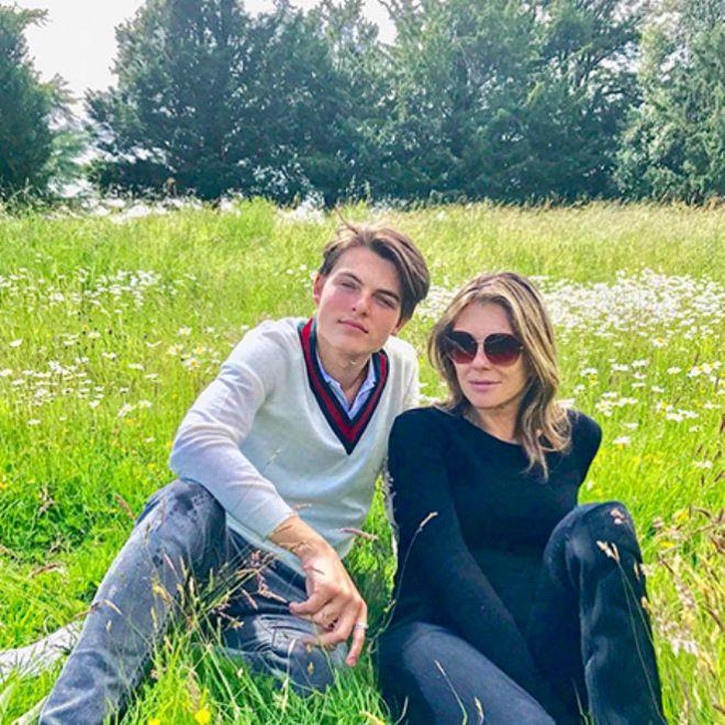 Элизабет не хочет, чтобы сын стал актером